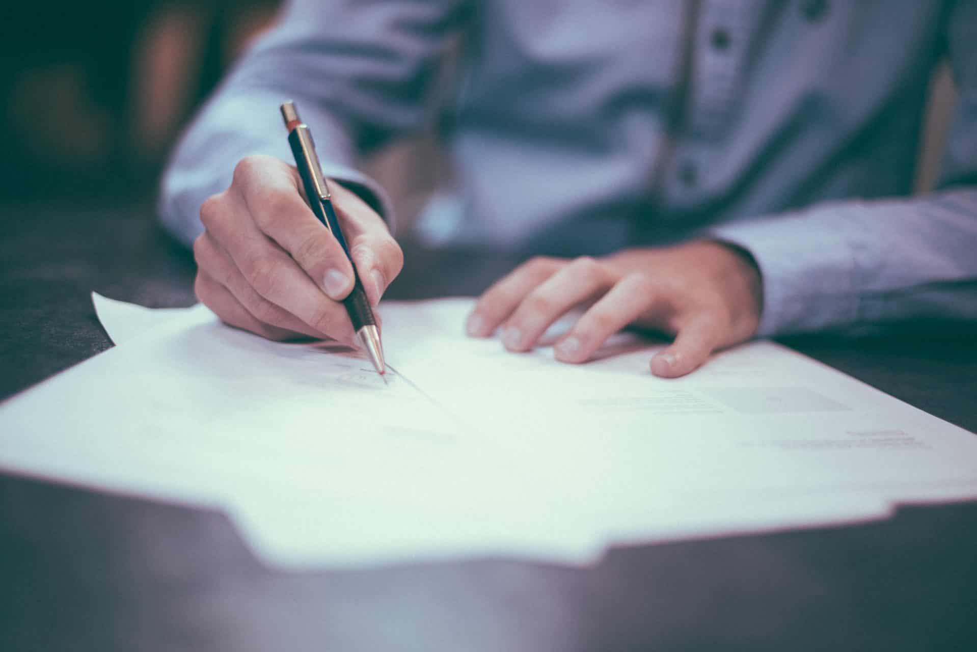 Een hypotheek afsluiten is een belangrijke stap om een huis te kopen.